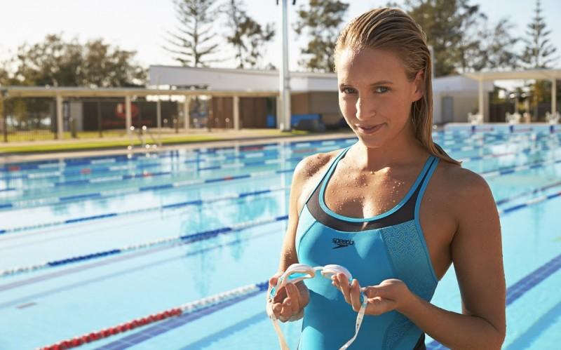 Спортивный купальник для бассейна