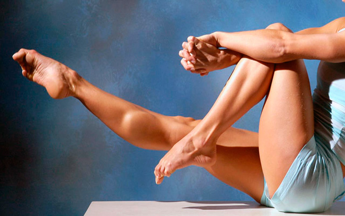Накачанные ноги девушки