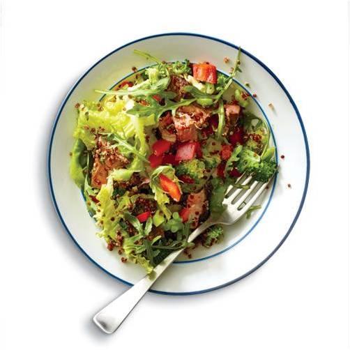 Салат из овощей с говядиной